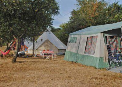 kamperen in eigen tent, grote ronde tent, yurt, camping Brénazet, Allier, Auvergne