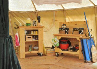 Camping, yurt, keuken